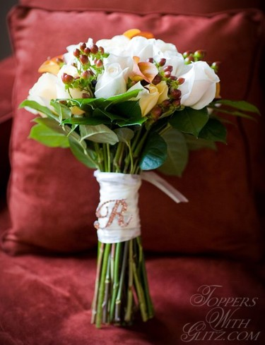http://www.topperswithglitz.com/images/accessories/Crystal%20Bouquet%20Letter%20R2%20sm-resized.jpg